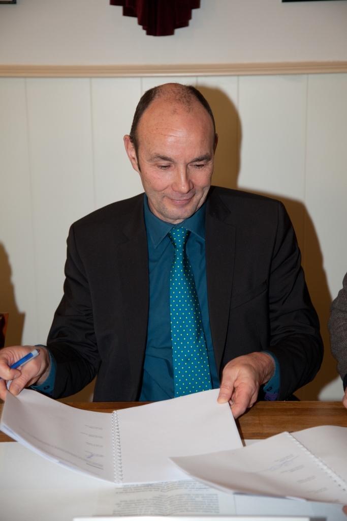 Ondertekening charter Philippe D'Hondt