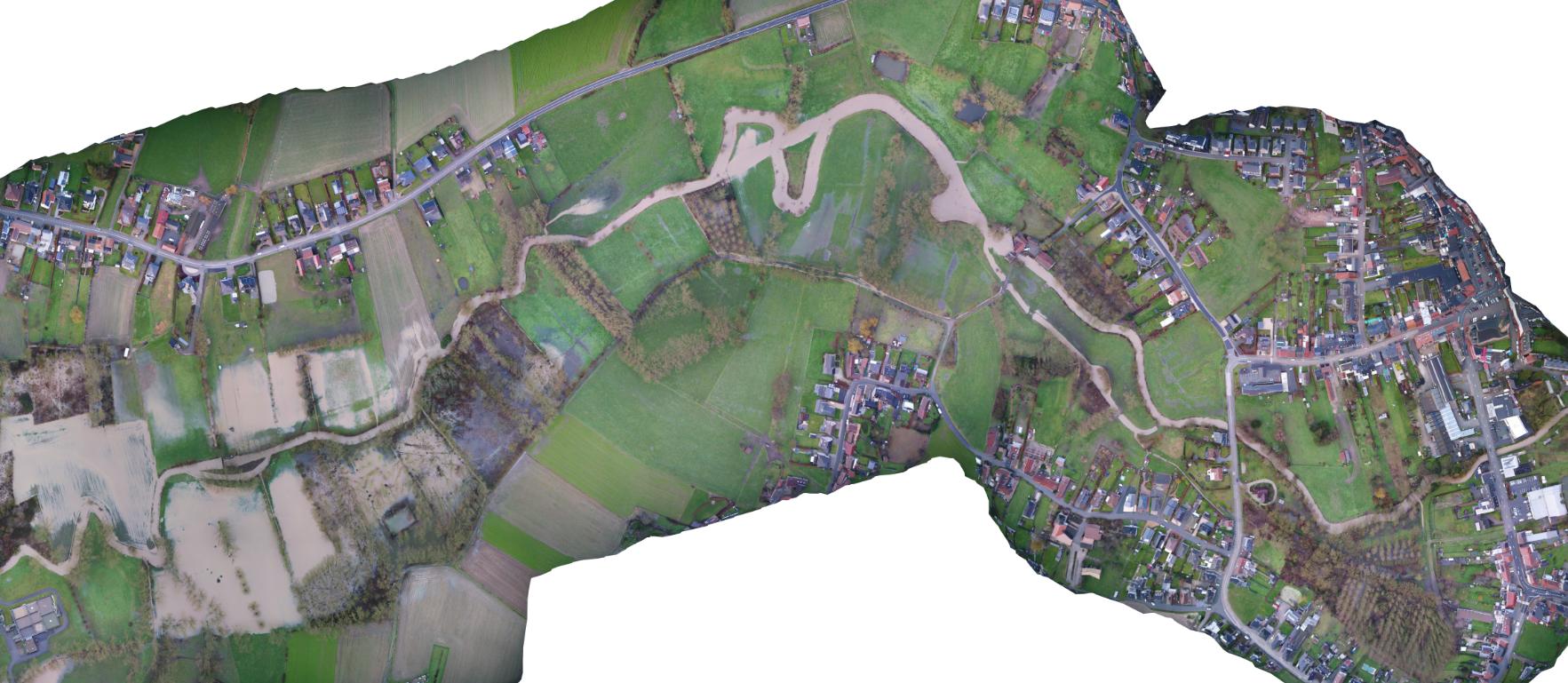Dronebeeld overstromingen Mark