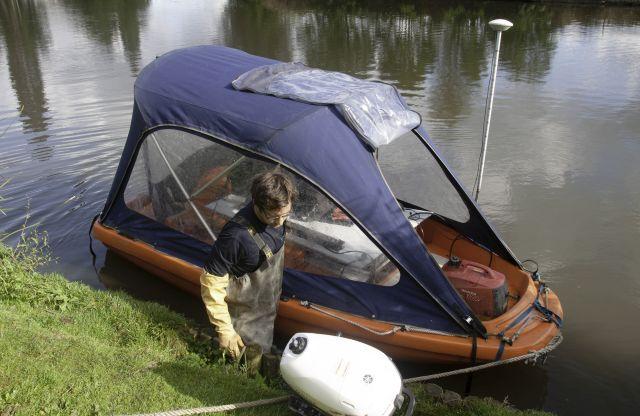 Manuele waterkwaliteitsmeting met de boot